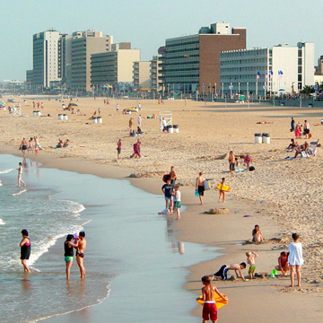 Busy day in the Neptune City (Virginia Beach)